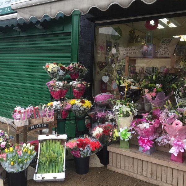 Buttercups Florist Cudworth Shop Window